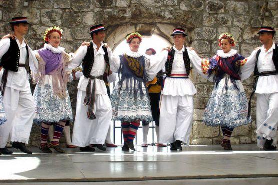 Народные хорватские костюмы