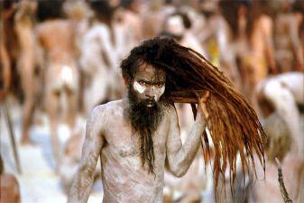 Индия фото– парад садху во время фестиваля Кумбха-Мела