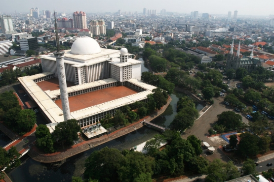 Мечеть Независимости в Джакарте– образец современной архитектуры Индонезии