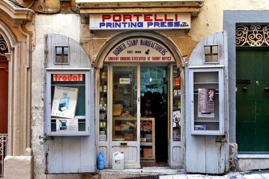 Магазин печатей в Валлетте– типичный пример мальтийского мелкого бизнеса