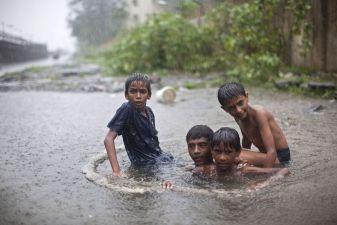 Улицы Бомбея после муссонных дождей