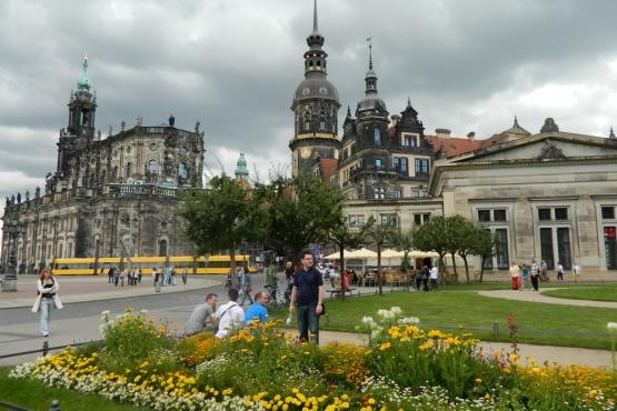 Весеннее цветение в парках Дрездена