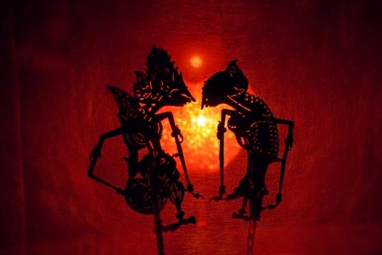 Представление теневого театра ваянг кулит