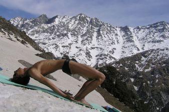 Индия фото– йога в Гималаях
