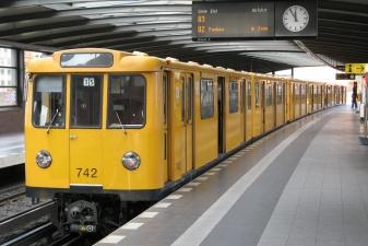 Поезд метро в Берлине