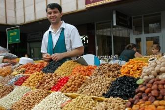 Торговец на рынке