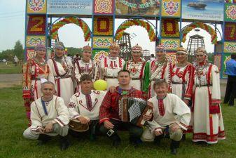Мызыканты в белорусских костюмах