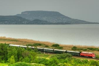 Поезд на берегу Балатона