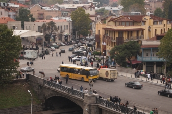 Автобус на улицах города