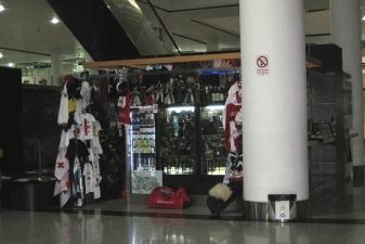Магазин сувениров в аэропорту