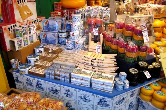 Сувенирная лавка в Амстердаме