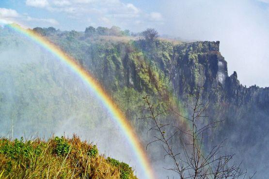 Замбия фото – Радуга над водопадом Виктория