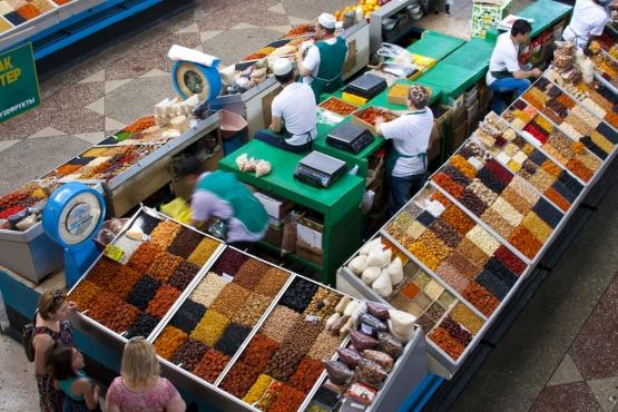 Продажа специй и фруктов