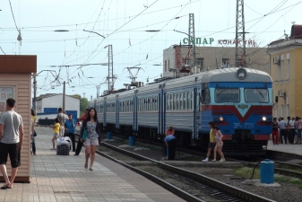 Поезд на вокзале