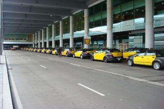 Барселона фото– Такси в аэропорте