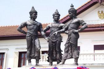 Чианг Май фото – Памятник трем королям