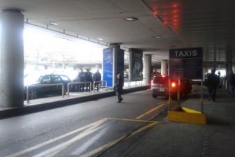 Стоянка такси в аэропорте Женевы