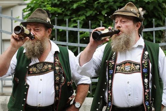 Мужской немецкий костюм