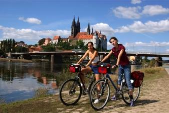 На велосипеде по берегу Эльбы