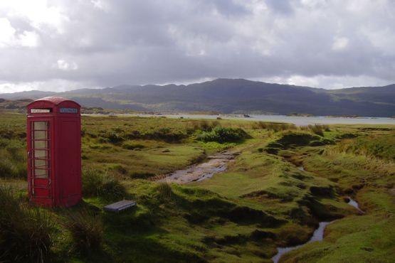 Типичная шотландская телефонная будка