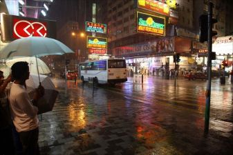 Гонконг фото – дождь в Гонконге