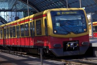 Поезд S-Bahn в Берлине