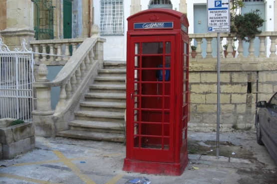 Телефонные будки в Валлетте– часть местного колорита