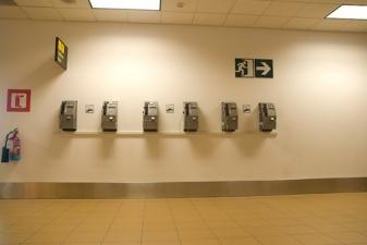 Телеофны в аэропорте Лимы