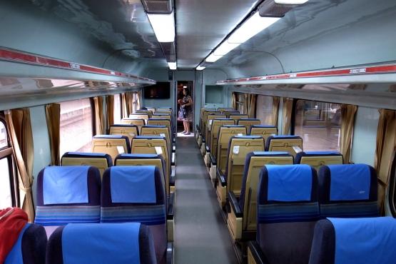 Салон вагона третьего класса