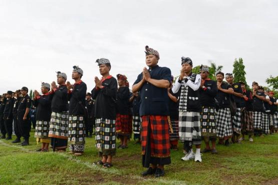На Бали функции полицейских дублируют местные жители из отрядов традиционной милиции Печаланг
