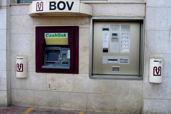 Автоматический обменный пункт и банкомат Банка Валетты