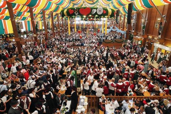 Празднование Октоберфеста в Мюнхене